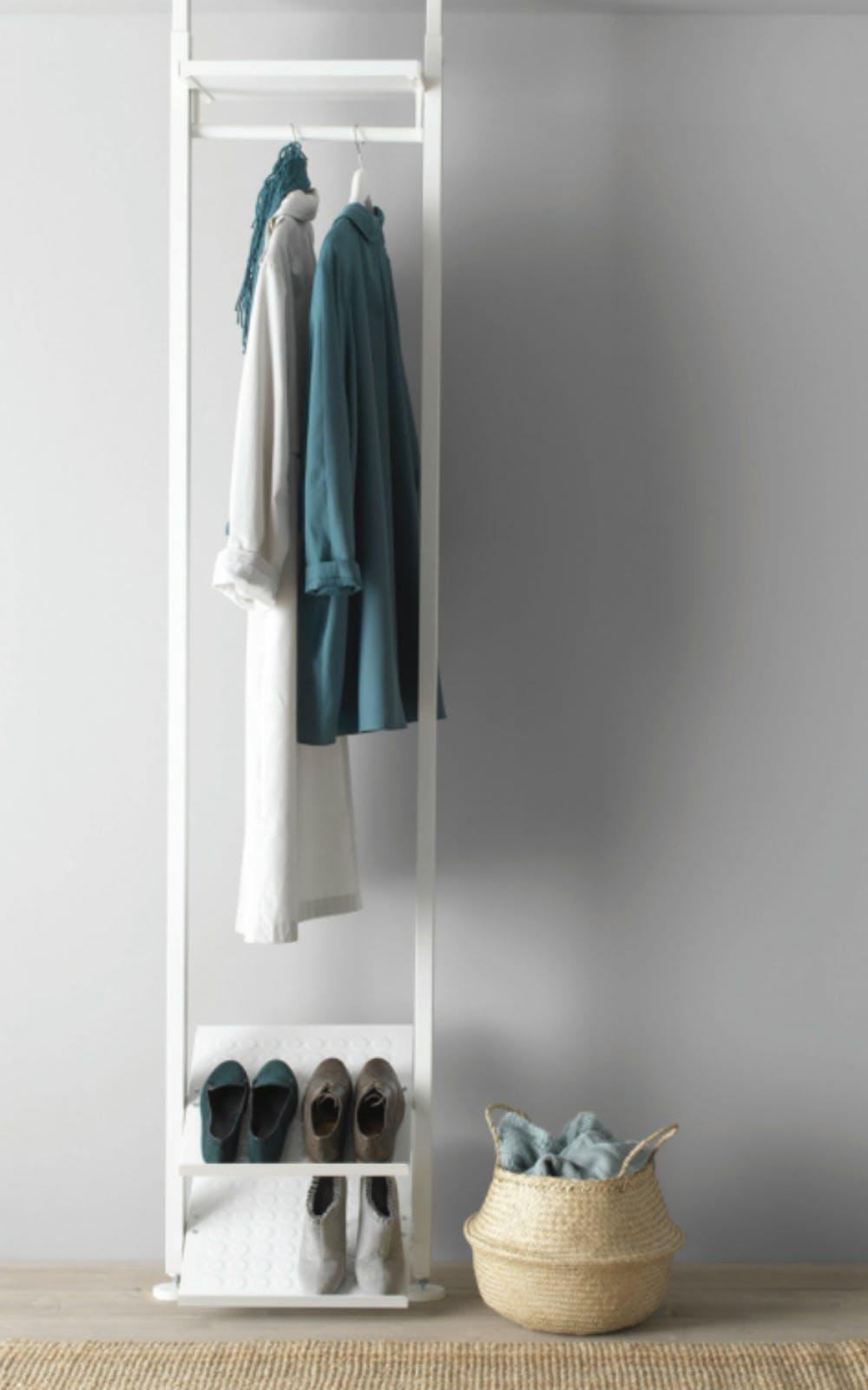 opter-pour-un-dressing-ouvert-avec-le-systeme-rangement-elvarli-ikea-3