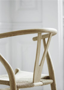 chaises-en-bois-scandinave-nordique-salle-a-mangerCH24_Wishbone-Chair_Carl_Hansen_Ssn