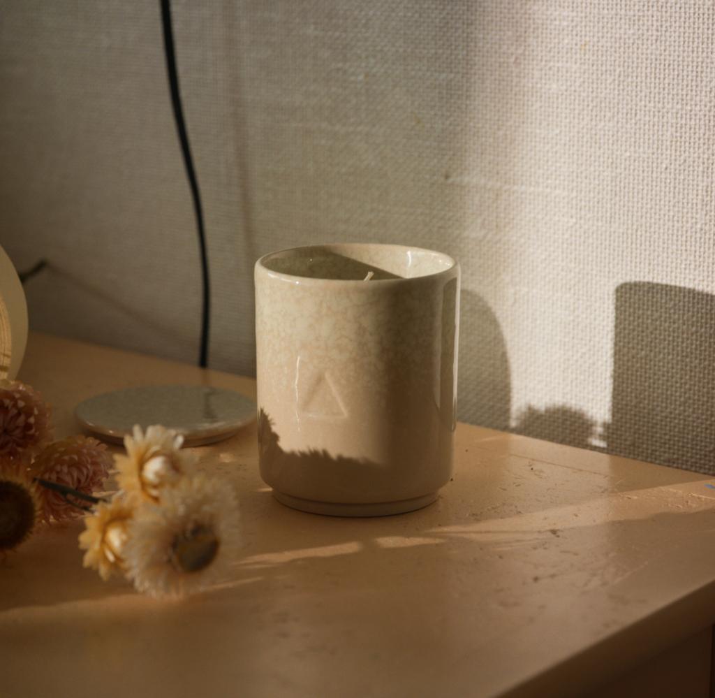 ikea-presente-osynlig-une-collection-de-bougies-en-collaboration-avec-byredo-inspirations-deco-ikea-5